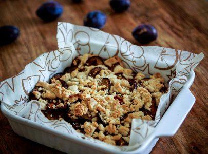 Benefits of Plum Fruit and Plum Crumble Recipe